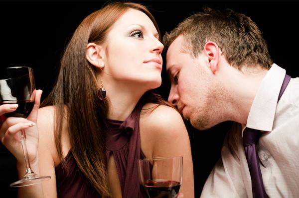 man-smelling-woman_xehk9r.jpeg